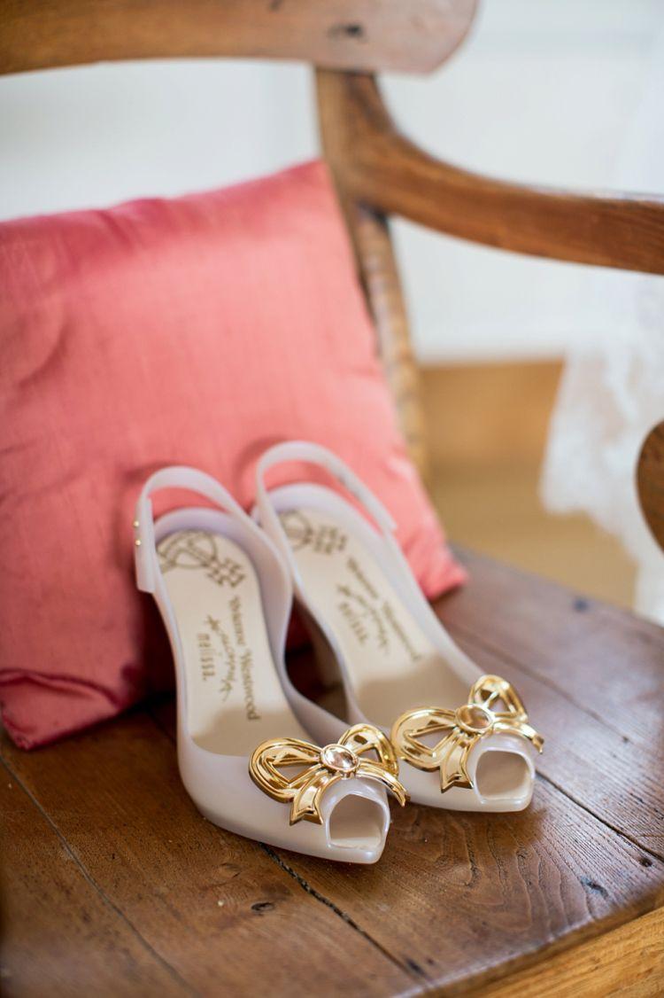 A Delightfully Handmade, Pastel Colour Summer Wedding For Beauty ...