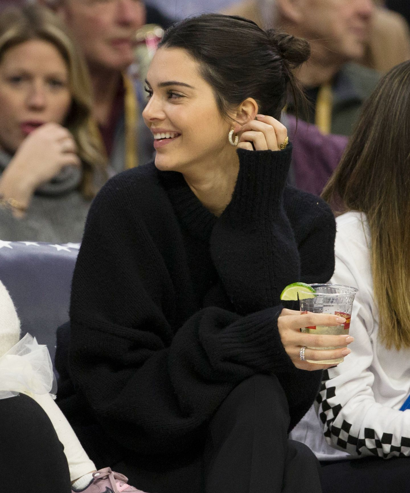 Kendall Jenner Finally Wore Her Cow-Print Manicure — & We're Obsessed – iconic