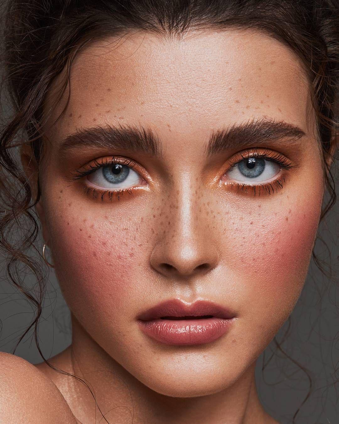 Blush // Brows // Freckles Freckles makeup, Makeup
