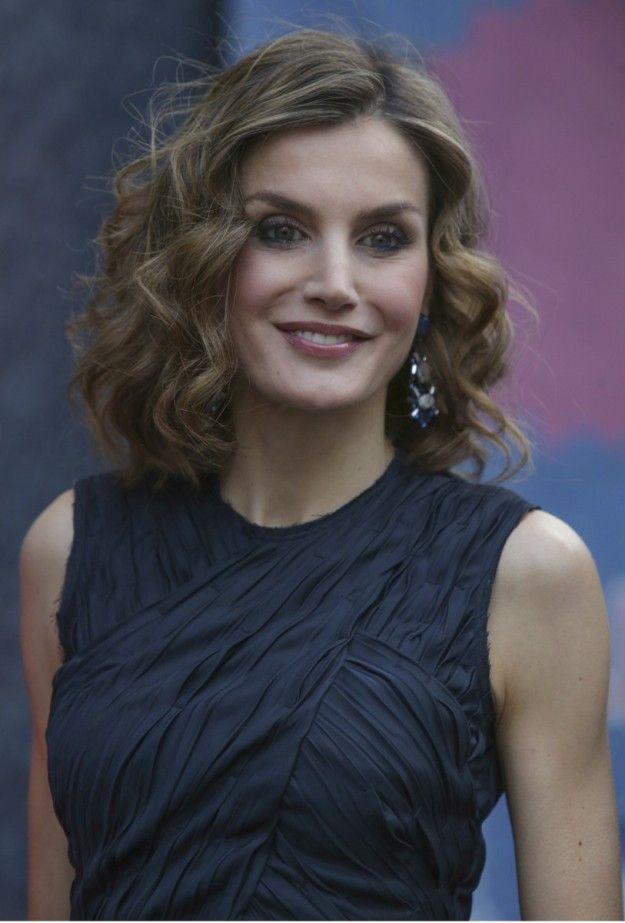 Inspirate En La Reina Letizia Para Tus Peinados De Invitada Salud