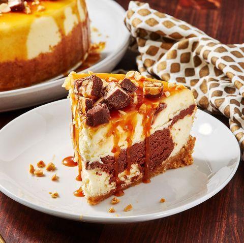 Snickers Cheesecake #snickerscheesecake Snickers Cheesecake - Delish.com #snickerscheesecake