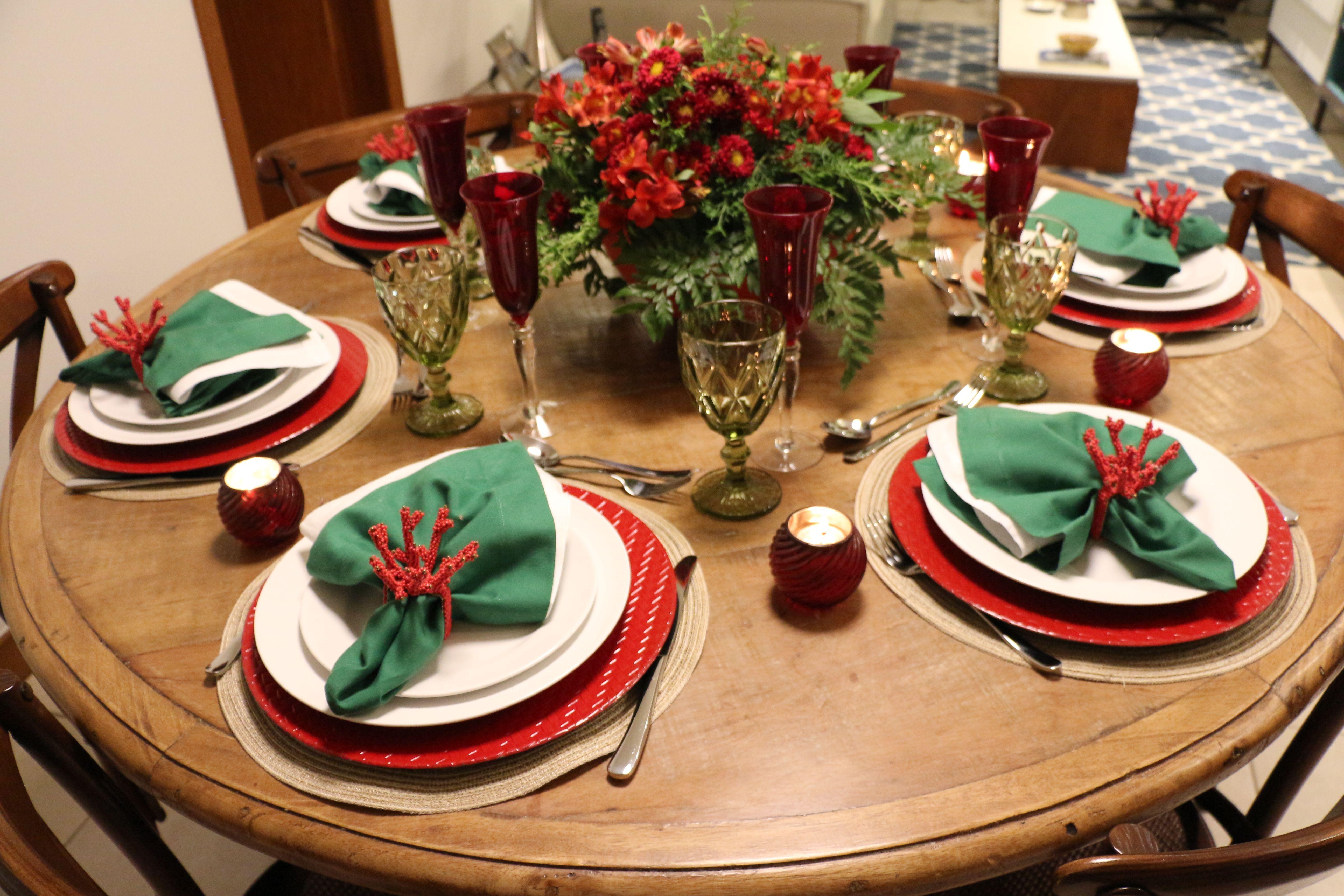 As Mesas De Natal Verde Vermelho Casa Casada Mesas De Jantar De Natal Mesa De Natal Decoracao Mesa De Natal