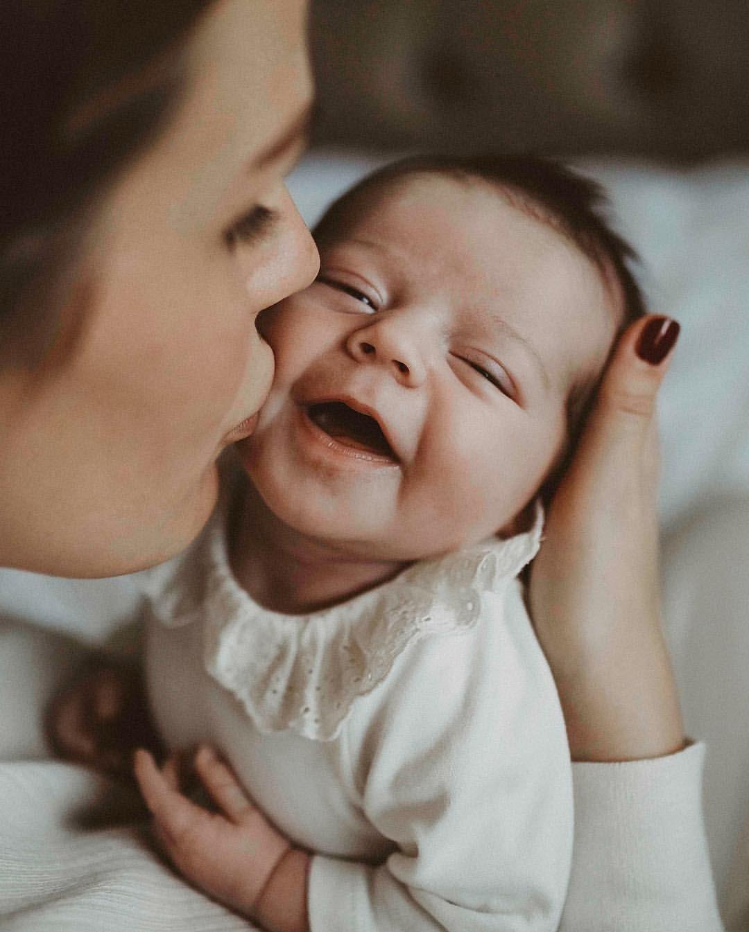 Photo of Lifestyle newborn photo shoot, newborn photography, mom and baby photo …