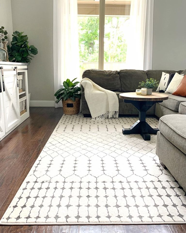 Life Is Best When Kept Simple Just Like Bravo Homestead S Living Area Chubbuck Area Rug Rugs In Living Room Farm House Living Room Area Rugs
