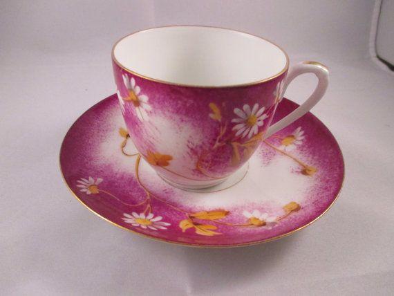1880 English Tea Cup & Saucer Daisy Motif