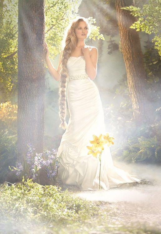 Rapunzel - Ein märchenhaftes, figurbetontes Kleid von Walt Disney ...