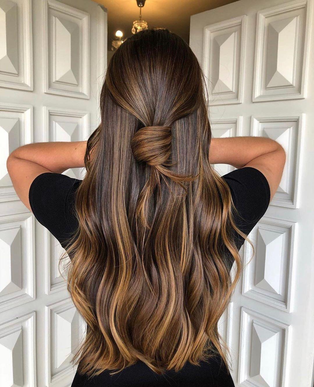 Caramel-Mocha-Balayage: die Trend-Haarfarbe für braunes Haar