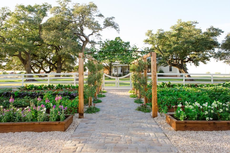 Fixer Upper Chip And Jo 39 S Family Garden Project Plant