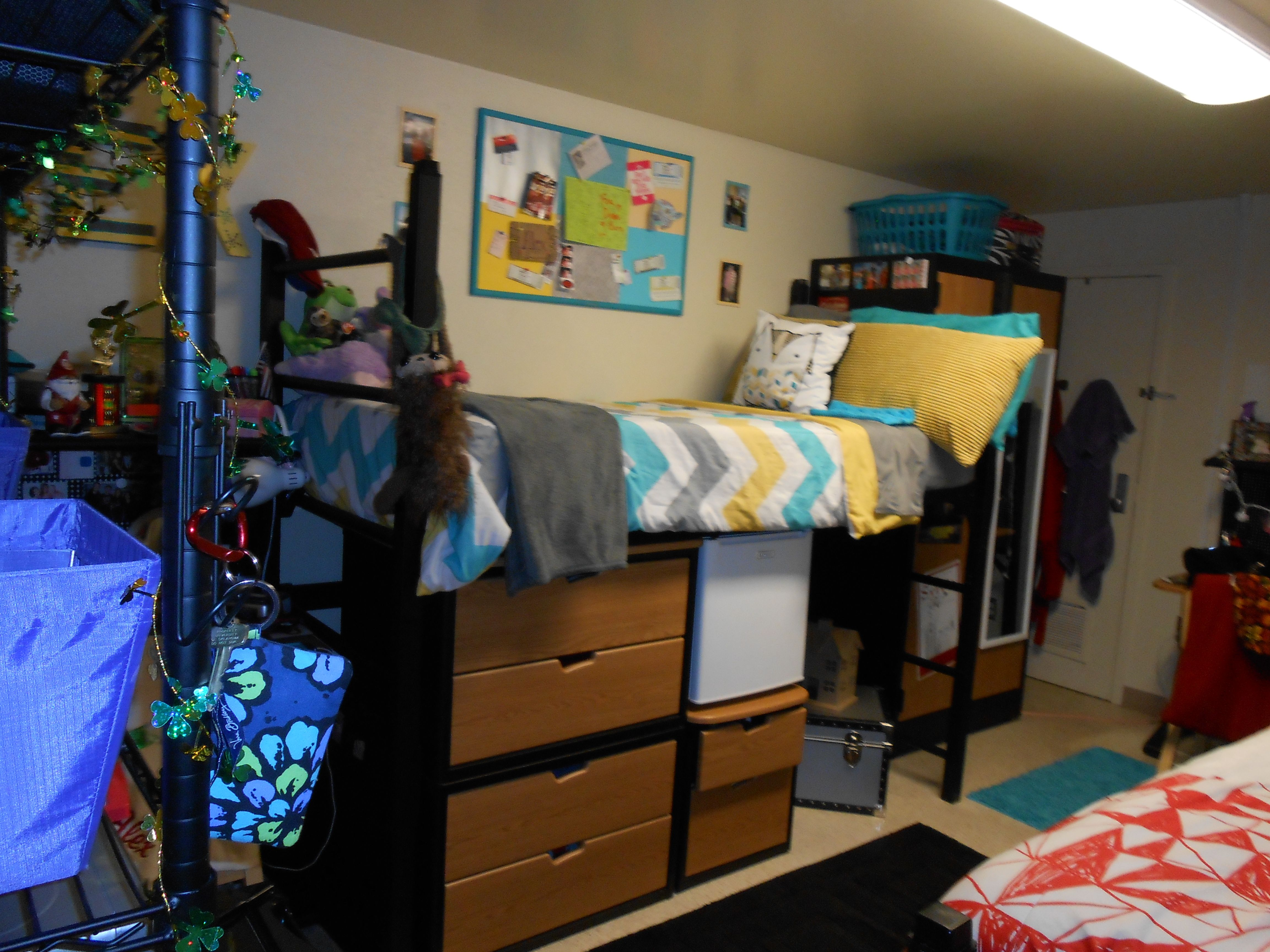 Dorm room furniture layout - Dorm Room At The University Of Oklahoma