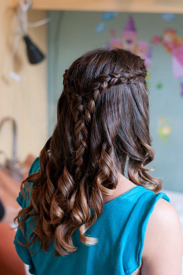 www.stilopersonal.es  Trenzas que coronan las melenas de las novias.