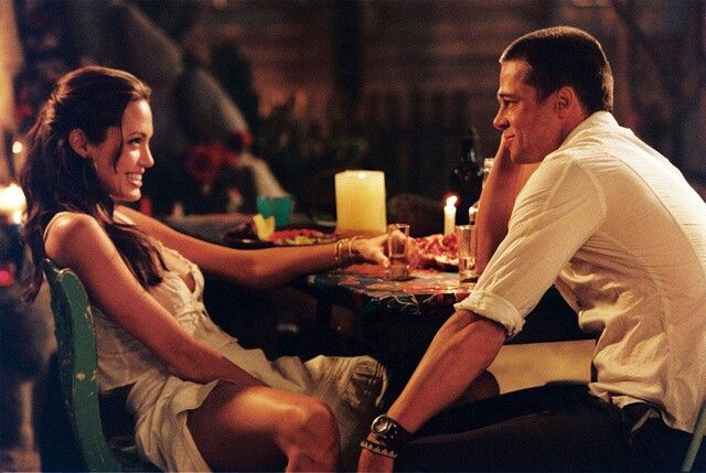 Angelina Jolie Mr And Mrs Smith Interview Brangelina In Mr And Mrs Smith Bts Brad And Angelina Brad Pitt And Angelina Jolie Angelina Jolie