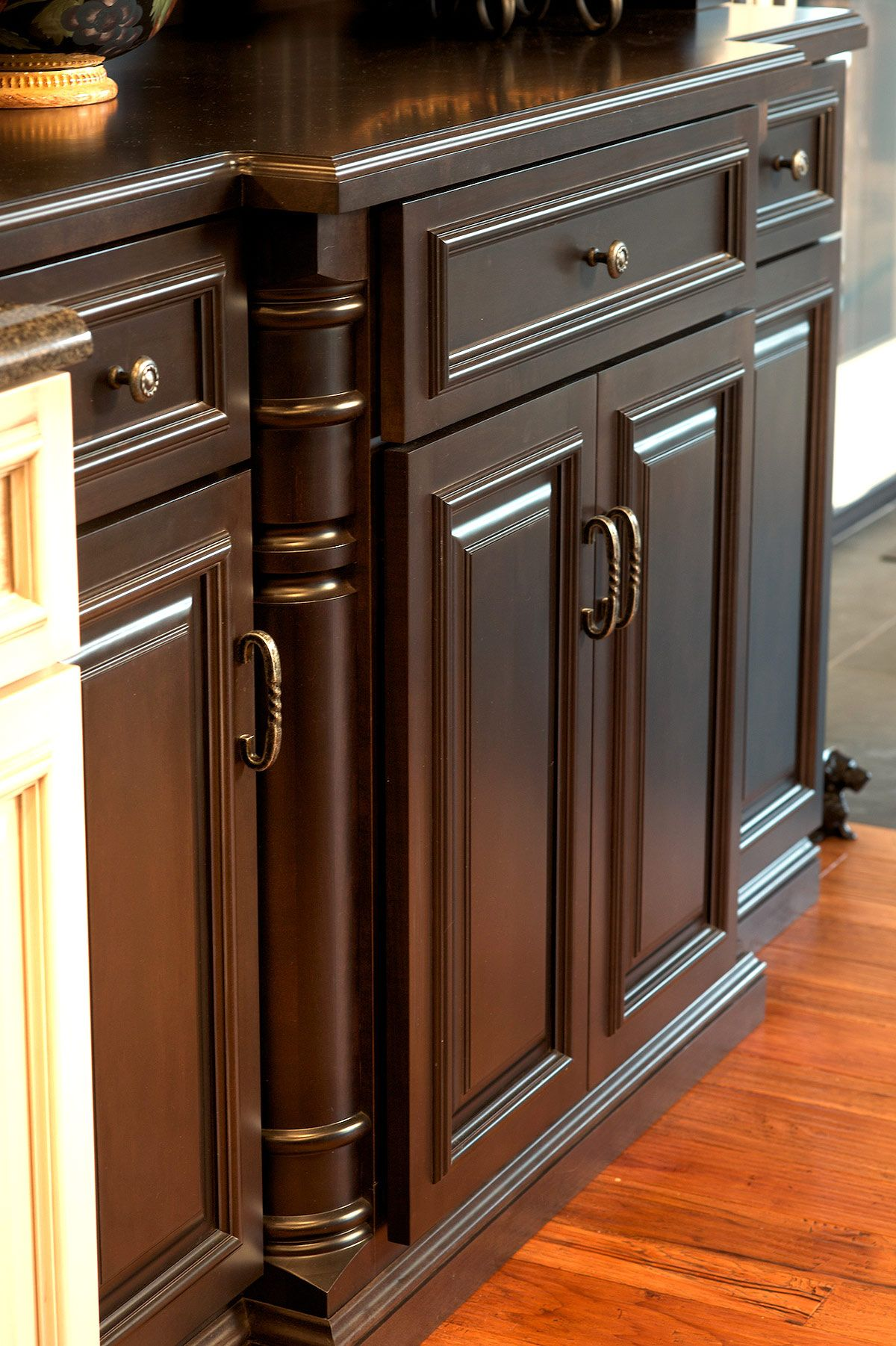Amish Made Kitchen Cabinets By Mullet Cabinet In Millersburg Ohio Best Kitchen Cabinets Diy Kitchen Cabinets Makeover Clean Kitchen Cabinets