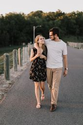 casual summer engagement photos outfits yssabarlett  Verlobung