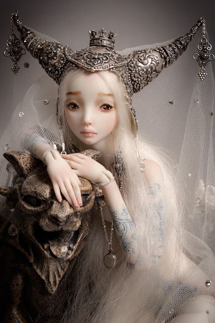 Designer Russa criar belíssimas bonecas artesanais de porcelana