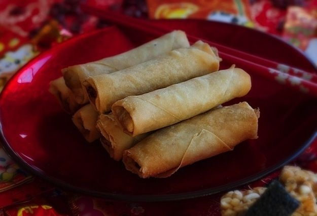 Crispy Spring Roll / 19 Savory And Authentic Chinese Foods That Need Your Mouth (via BuzzFeed)