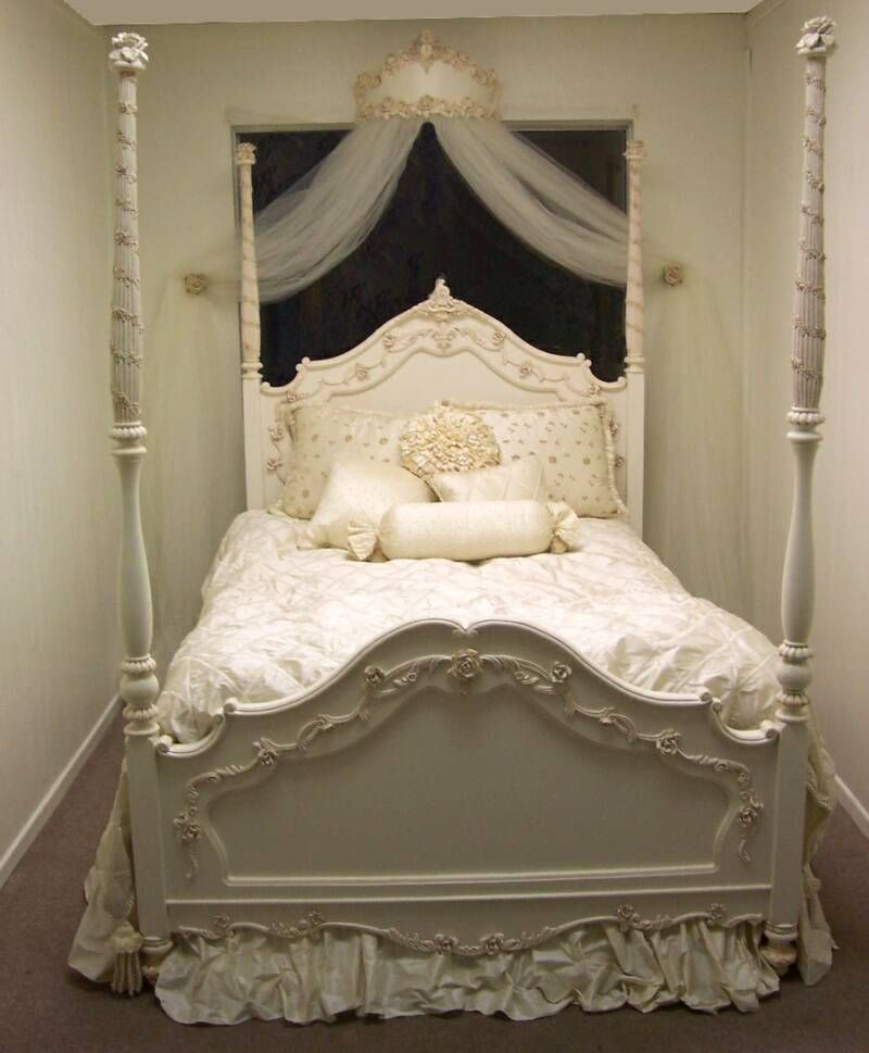 White Princess Bed Princess Bedrooms Woman Bedroom Bedroom Themes