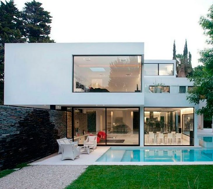 Fachada blanca con grandes ventanales nanana pinterest for Ventanas modernas en argentina
