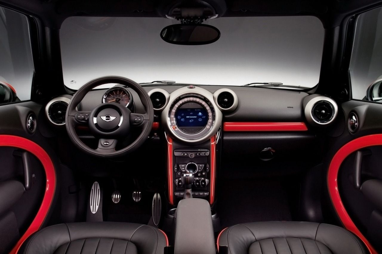 Inside Mini Countryman John Cooper Works Edition
