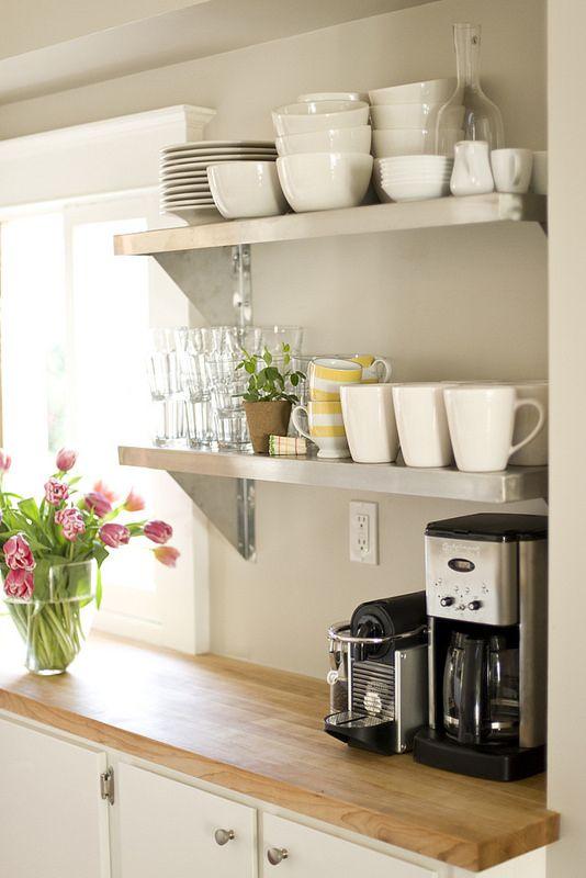 DIY Cupcake Holders Repisas, Cocinas y Las manos - estantes para cocina