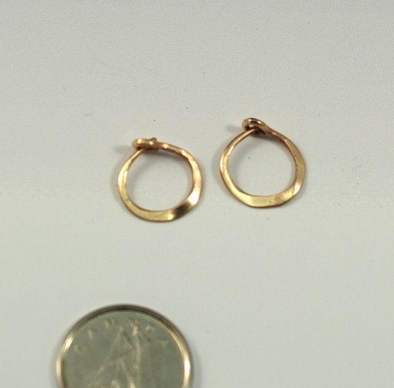 Solid Gold Single Hoop Earring Small 10mm Unisex Men S Earring Tiny Gold Hoop For Men 14k Yellow Gold Rose Gold Or White Gold Male Earring Hoop Earrings Gold Hoops Earrings