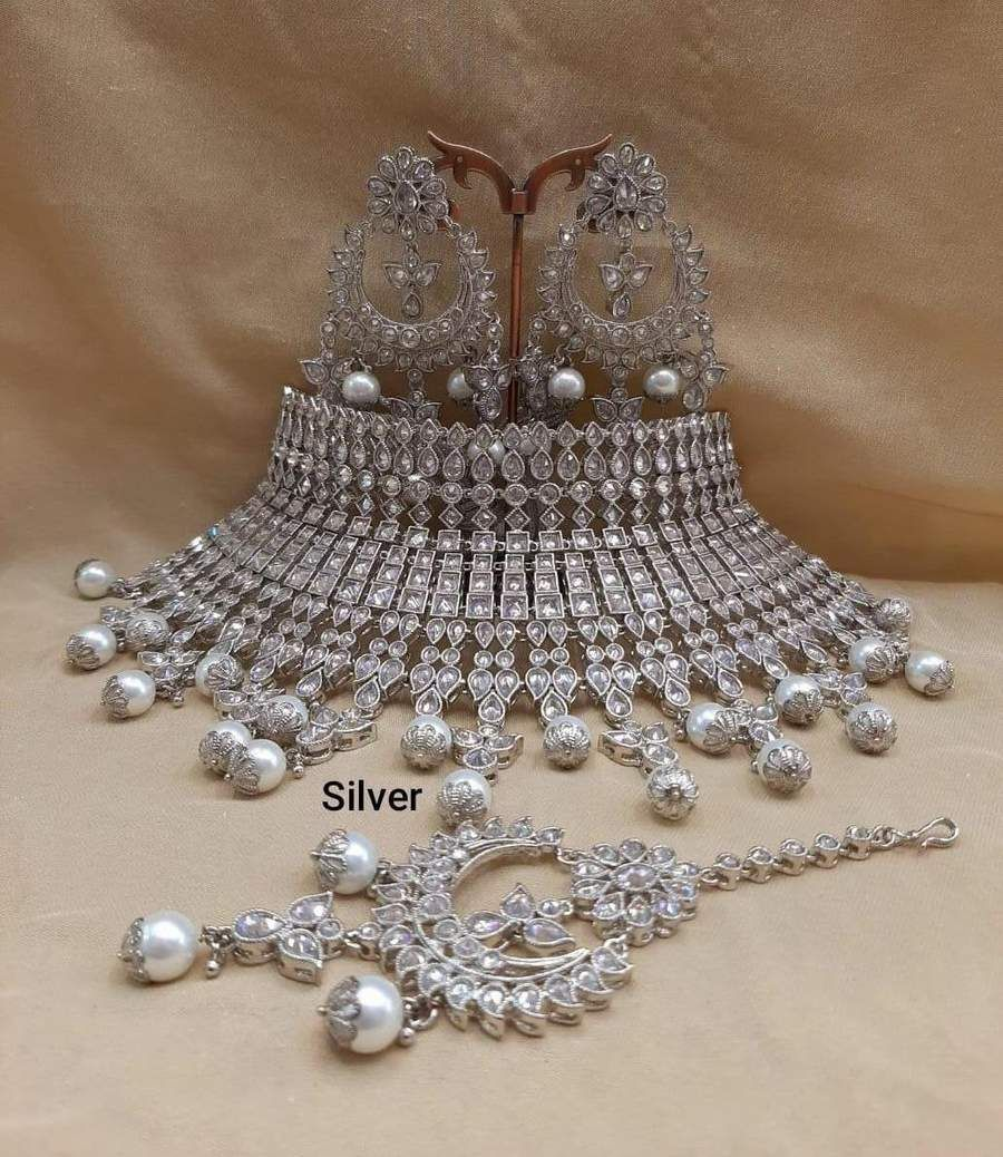 We have a huge collection of Indian Bridal Jewellery set at the ...