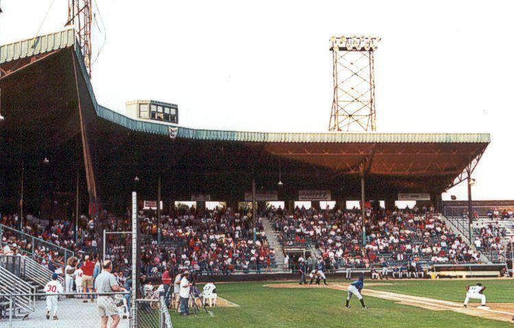 Wade Stadium, Duluth, MN | College baseball, Soccer field ...