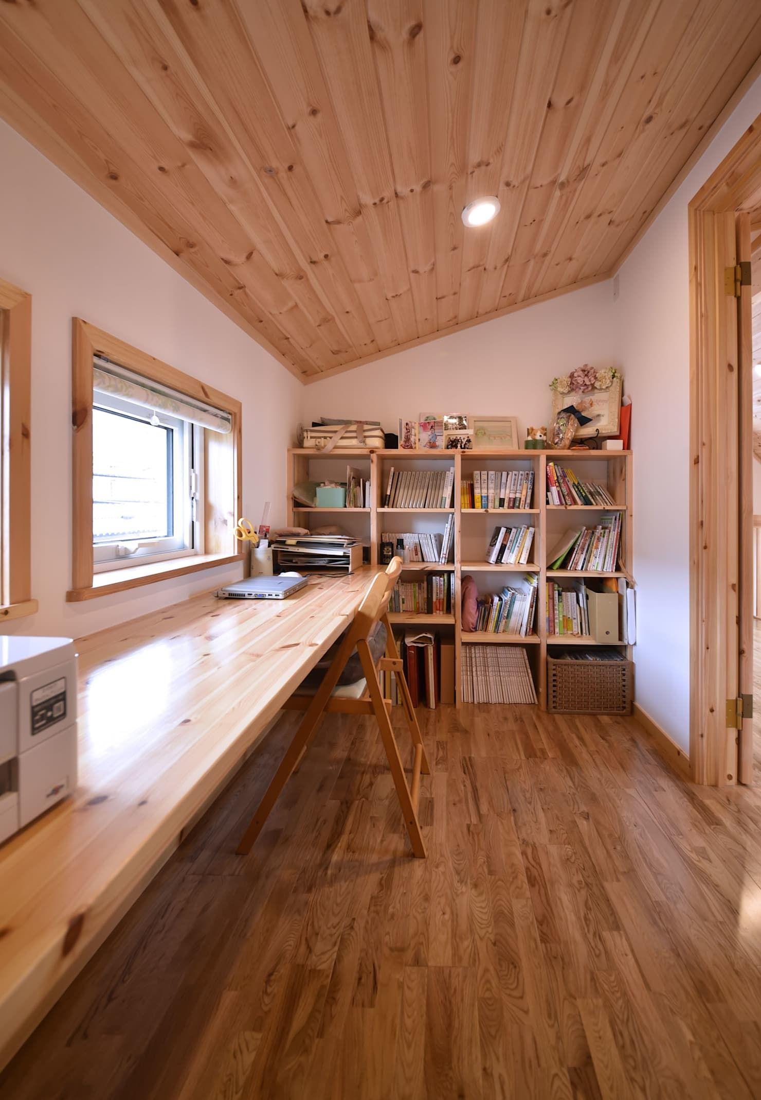 一宮市に建つ木の家 木の家株式会社 モダンデザインの 書斎 木 Homify 家 インテリア レイアウト 木の家