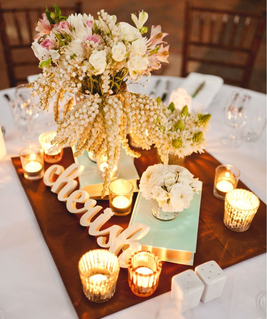 Country classic vintage book centerpiece