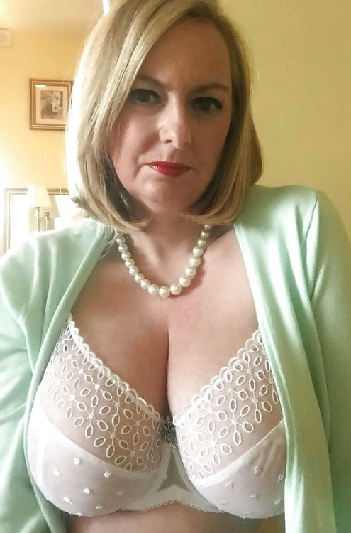 tits Gorgeous mature