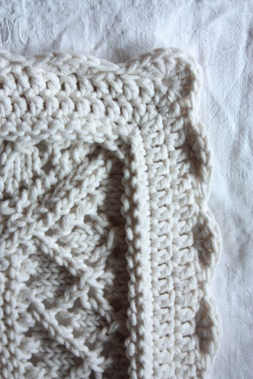 A Scalloped Crochet Border Free Pattern By Needlework Inspiration