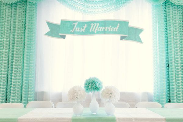 a retro Just Married backdrop  Photography by oldaniphotography.com
