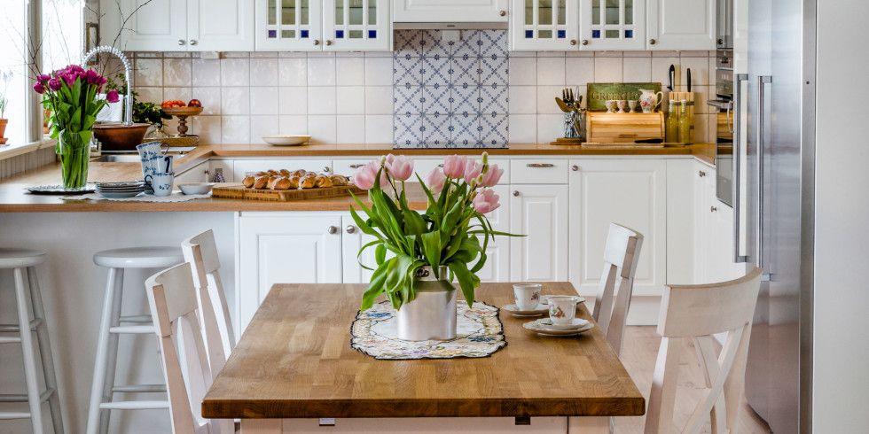 DETALJPLANLAGT Lampen over spisebordet er i gull, en detalj som - ikea küchenblock freistehend