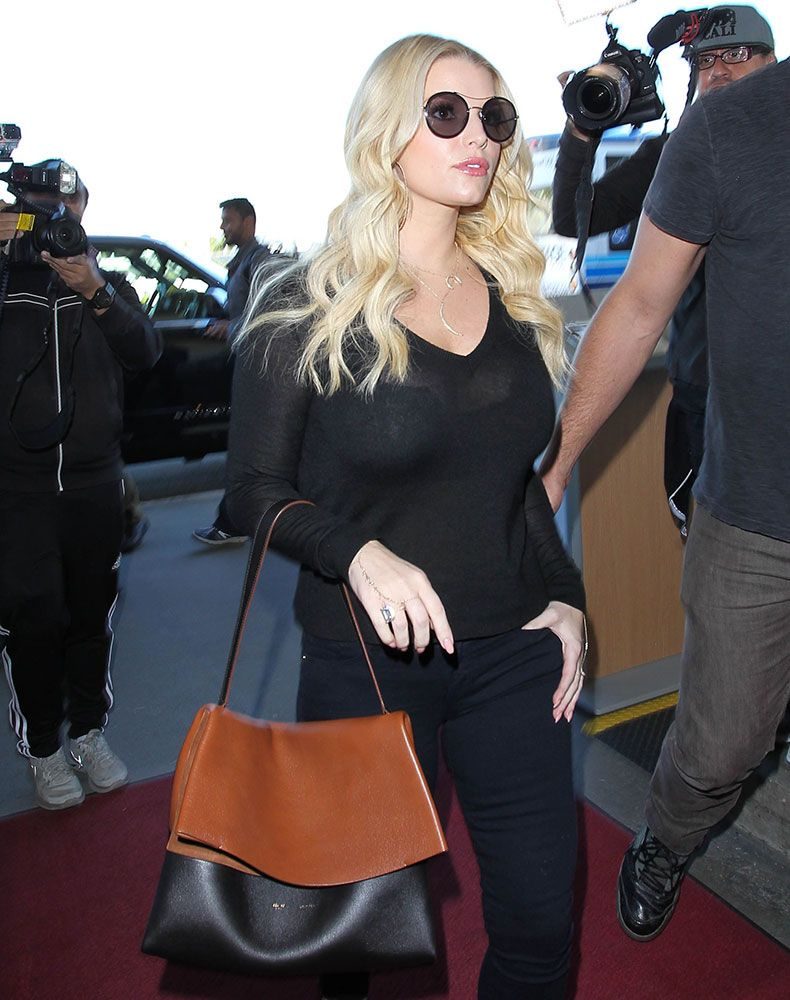 ee57e1949c67 The Many Bags of Jessica Simpson
