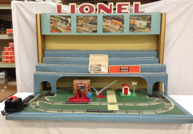 rare lionel postwar no 10 dealer display layout model train rare lionel postwar no 10 dealer display layout