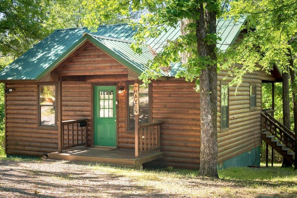 Cabin In Broken Bow United States The Haven Has A Warm Inviting Open Floor Cabin Lake Cabins Rustic Cabin
