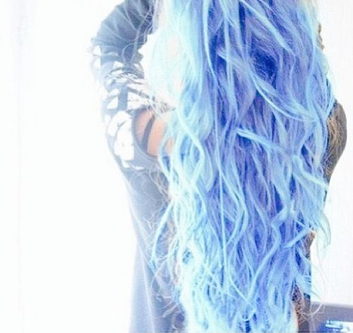 Blue hair It's so pretty