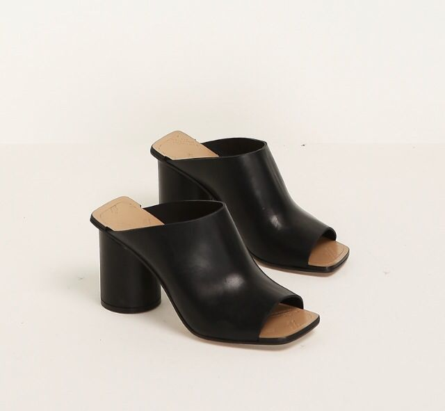 Maison Margiela Leather Square-Toe Mules outlet cheap quality sale official site free shipping with paypal outlet release dates exclusive IGMJPR