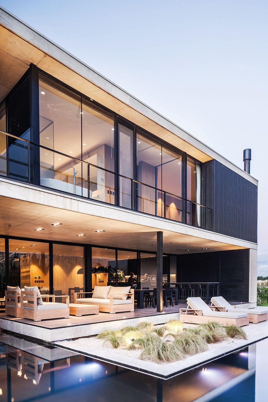 Contrafrente Casa Barbarita Estilo Moderno del Estudio de Arquitectura Amado Cattaneo Arquitectos