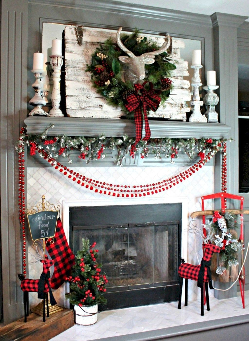Affordable Decorating Ideas For Living Rooms: 30 Affordable Farmhouse Christmas Decorating Ideas