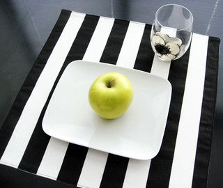 Black And White Striped Placemats Set Of 4 Placemats New York By Multichic Com Black And White Black And White Love Placemats