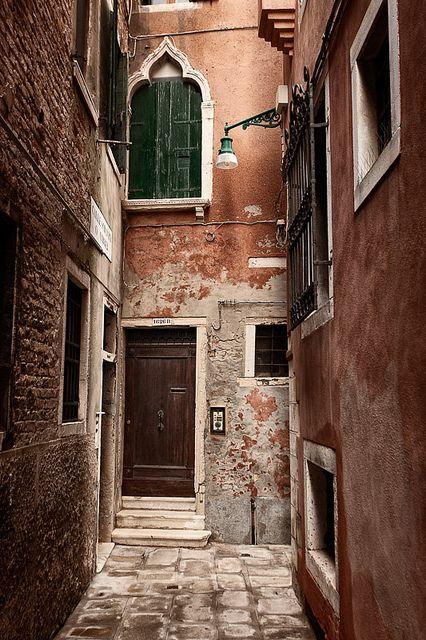 Calle Soranzo-Another beautiful street of Venezia