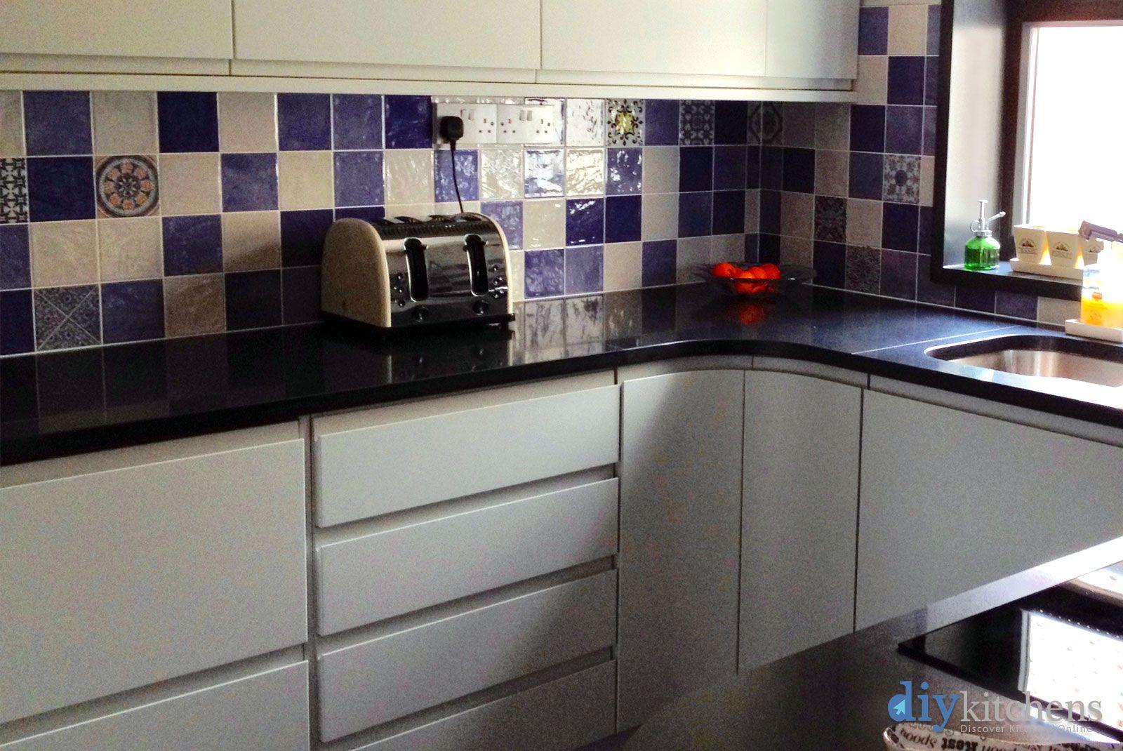 Best An Innova Luca Dove Grey Handleless Kitchen Handleless 400 x 300