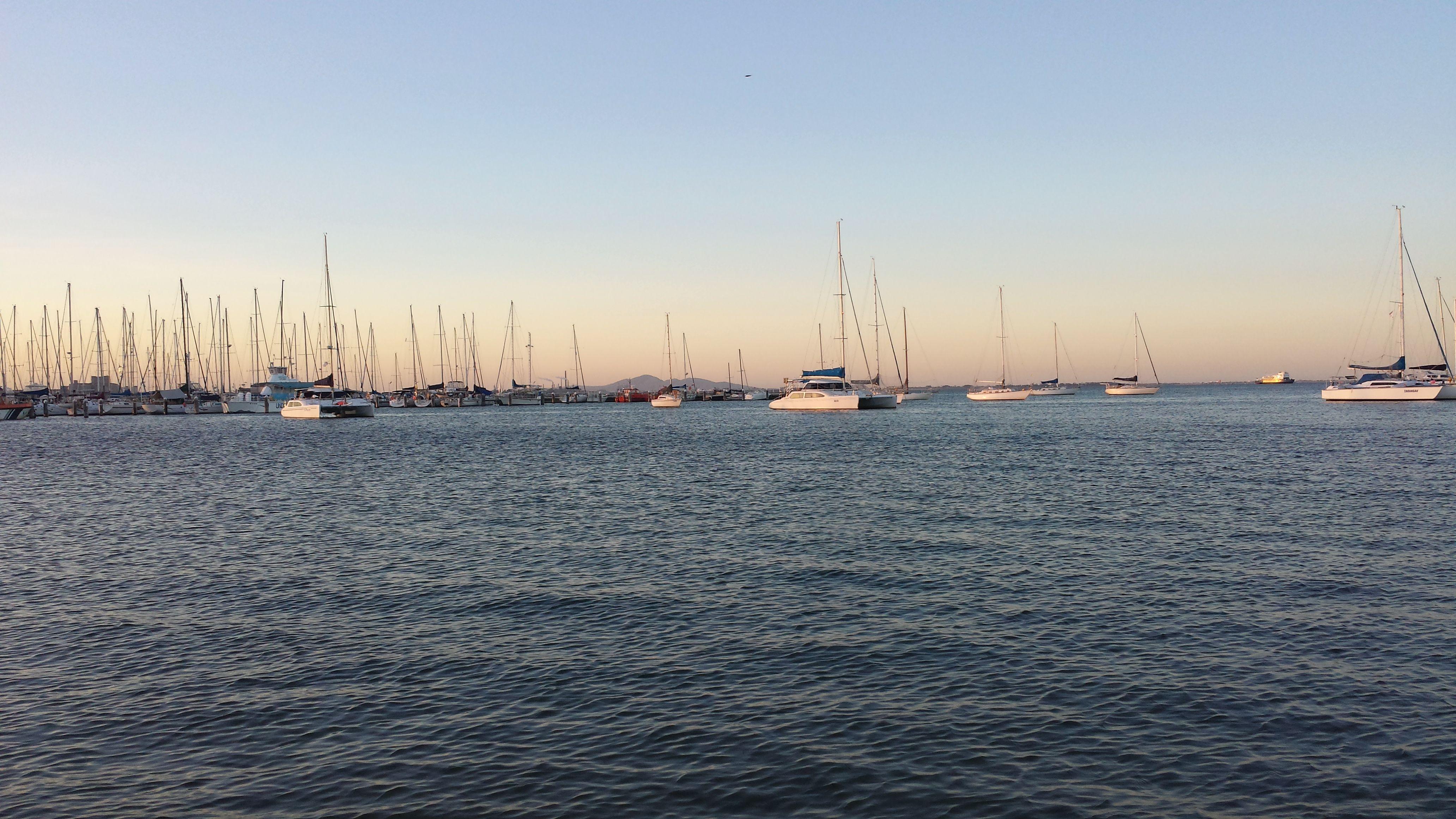 Corio Bay, Geelong. April 2016. Photo taken using a Samsung Galaxy S4. (c) Lucas Pardo.