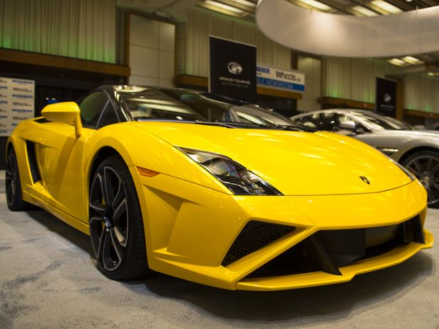 Lamborghini's Gallardo successor will bow at this year's Frankfurt Motor Show. #cars #Lamborghini