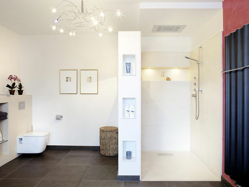 Gemauerte Dusche als Blickfang im Badezimmer Vor in 2020