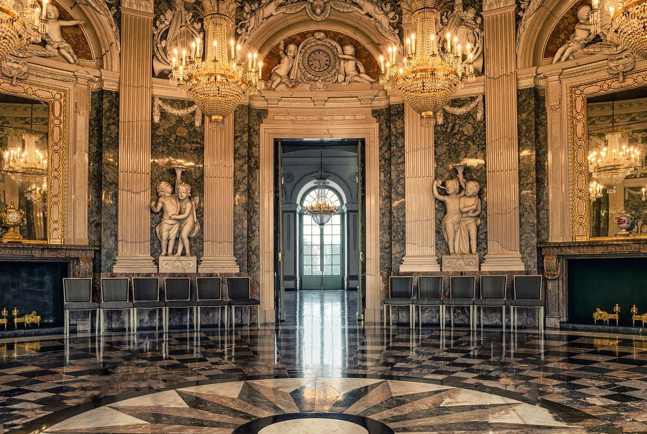 pixabayの無料画像 ホール 城 ボールルーム 歴史的に ミラー シャンデリア 城 ボールルーム 建築デザイン