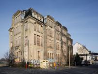 Atelier Und Burohaus In Berlin Hohenschonhausen Villa Heike Erwacht Zu Neuem Leben Architektur Und Architekten News Meldu In 2020 Burohaus Atelier Architektur