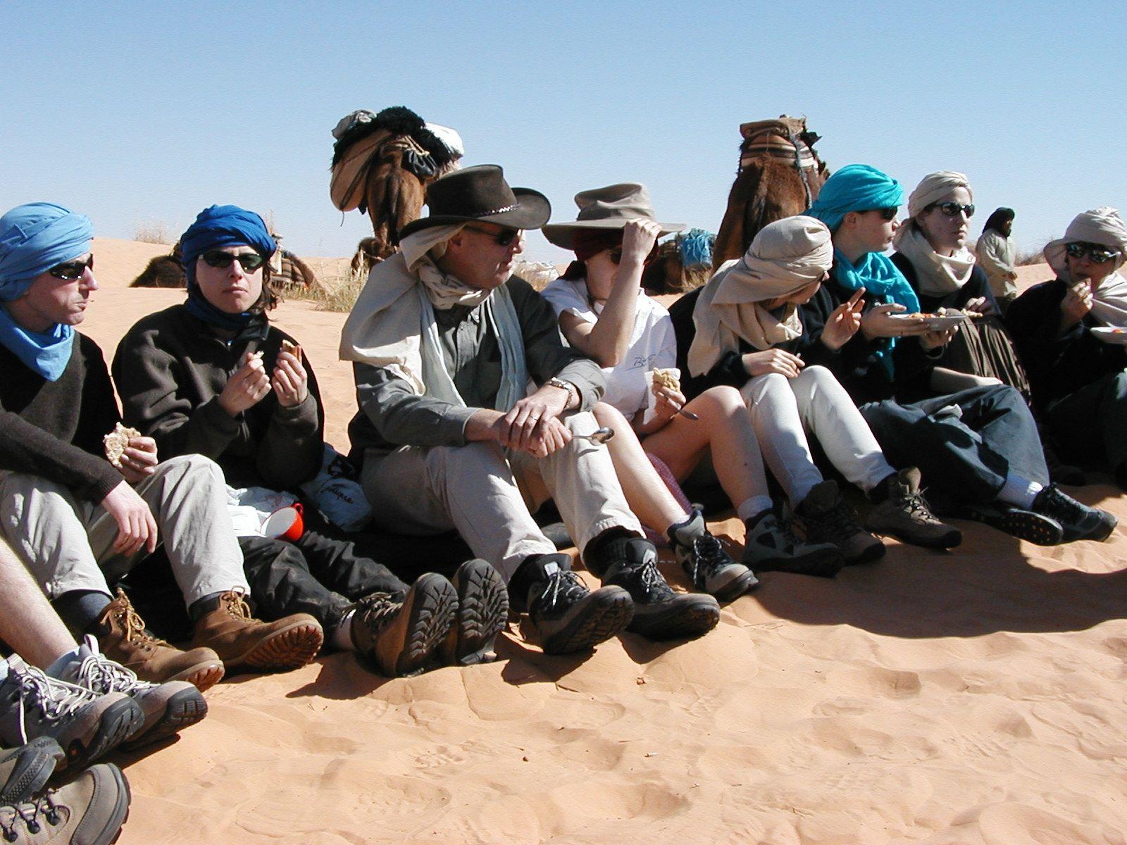 Nuestro viaje de senderismo de fin de año en el Sur de Túnez.  http://www.rutaspangea.com/excursiones-rutas/47/253/senderismo-por-el-desierto-tunecino