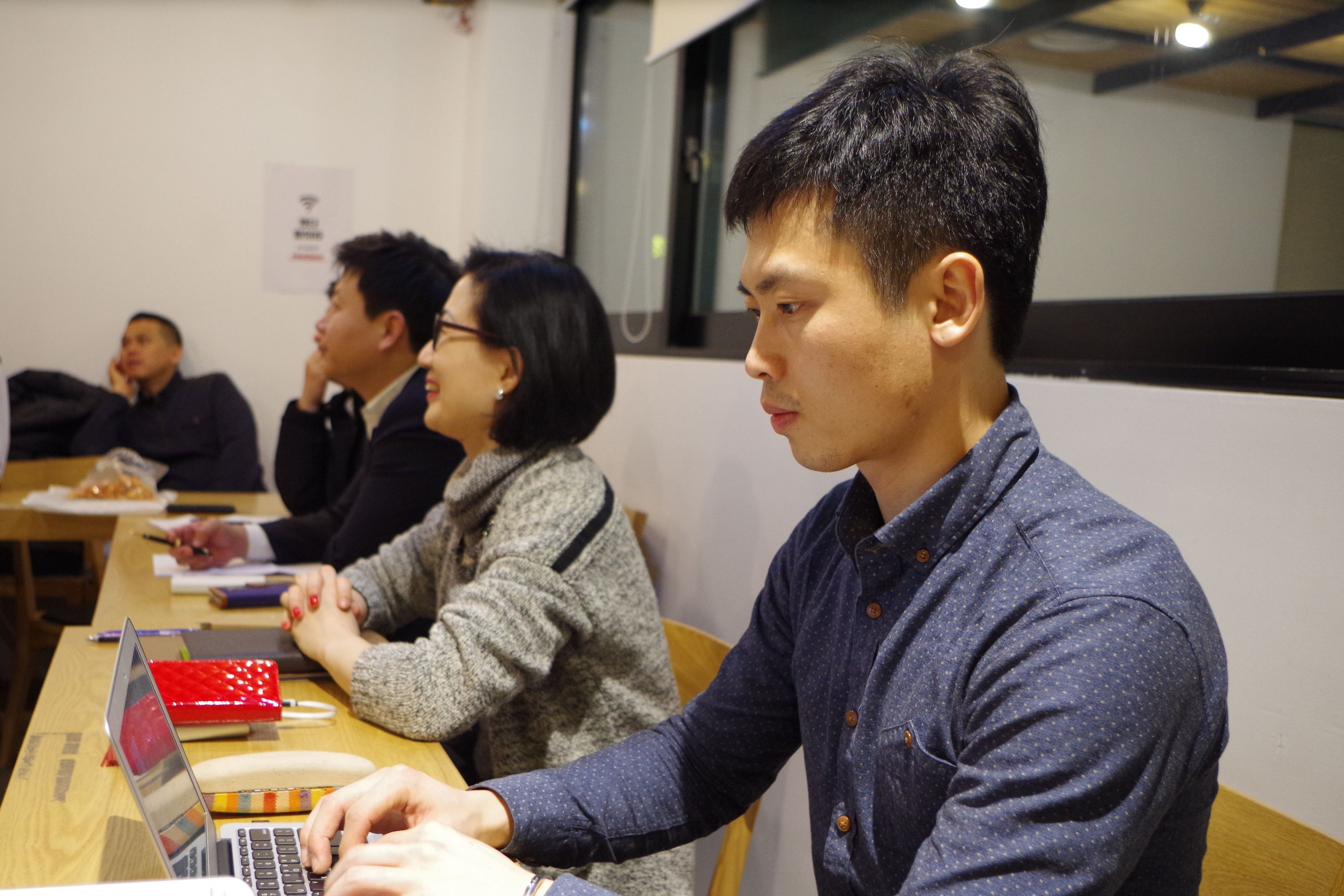 트라이그람스코리아 우고스와 함께 미래를 이끌어 나갈 글로벌 인재를 양성하는 <우고스 PBM 교육> PBM(Platform Business Manager)을 재정의하고 교육 프로세스를 구축하기 위해 퇴근 후 모두 강남으로 모였습니다^^ 어떤 생각들이 공유되고 성과가 나올지 기대되는 시간이였고 좋은 아이디어를 공유하는 시간이였습니다.ㅎ http://trigramskorea.blog.me/220555618908  #우고스   #트라이그람스코리아   #woogos   #PBM   #PBM교육   #플랫폼   #인재양성