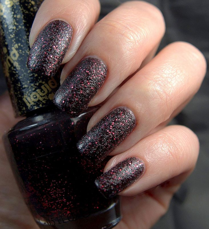 Liquid sand with black and pink  http://charmingnails.blogspot.fi/2014/12/luukku-18-stay-night.html?utm_source=feedburner&utm_medium=feed&utm_campaign=Feed:+CharmingNails+(Charming+Nails)